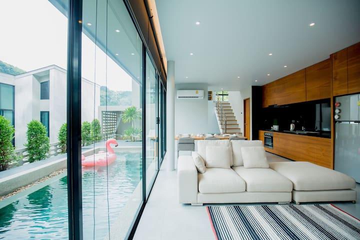 New Kamala Beach 3 BR Modern Pool Villa(9 Guest)