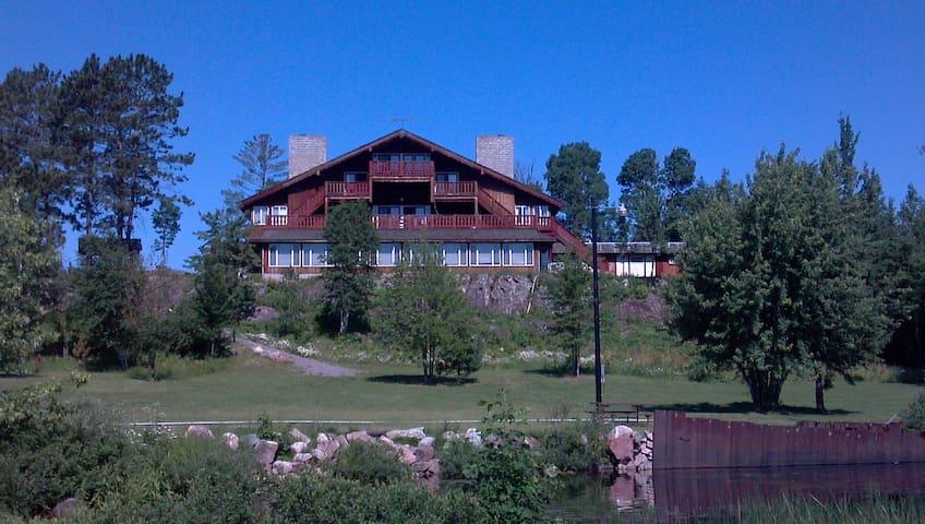 Creek Ridge Lodge on White Iron Lake, Room 3