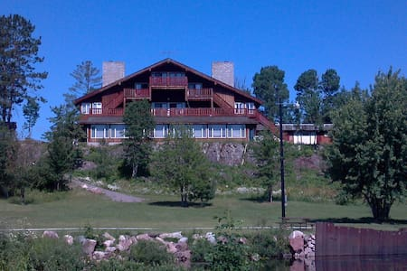 Creek Ridge Lodge on White Iron Lake, Room 3 - Ely - Bed & Breakfast