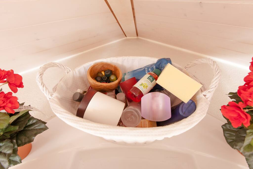 what is your favorite smell in the bath?