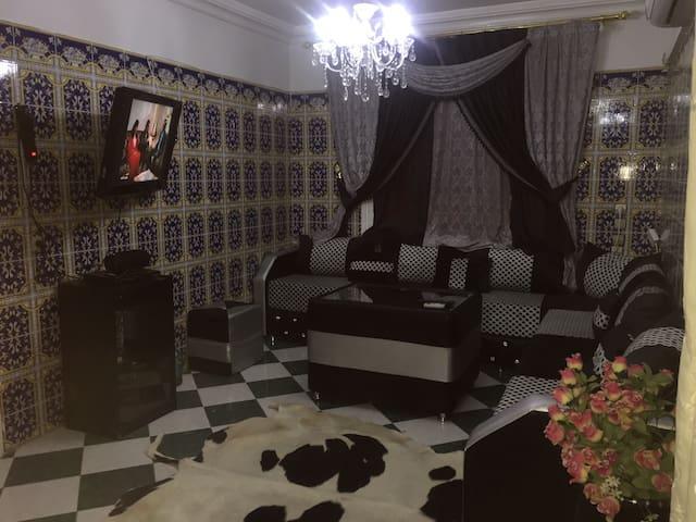 Très beau appartement en plein centre de oujda