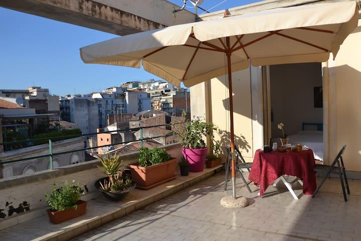 Bright loft in historic center - Catania - Loft