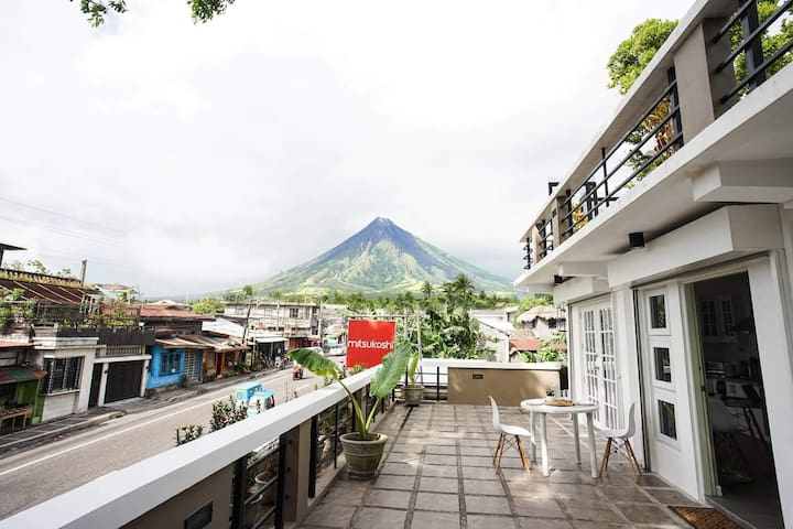 Camalig Homes 1 1BR w Mayon View Deck  (FREE Wifi)