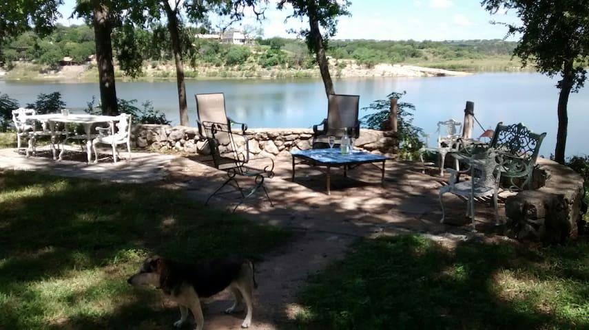 Pedernales River Cabin Sleeps 12 - Spicewood - Srub
