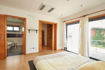 Spectacular Duplex Villa with Sea V - Carvoeira