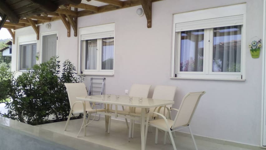 ILIA's house on the beach!! - Salonikiou - Apto. en complejo residencial