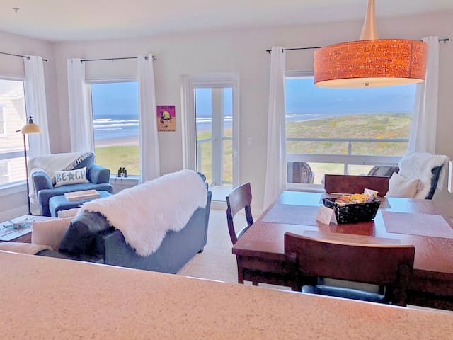 Ocean View ☆ Beach Access~TopFL~Jetted Tub~KingBed