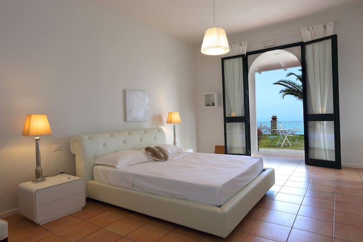 Just be & b - Piraino - Bed & Breakfast