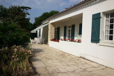 Grande Villa proche plage de Vert_Bois - Dolus-d'Oléron - Villa