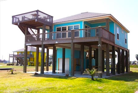 Tropical Beach Front House - CRYSTAL BEACH - Casa