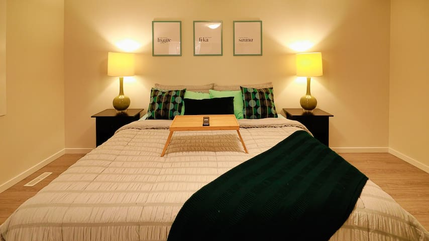 LUXURY EN-SUITE PRIVATE EXECUTIVE BEDROOM