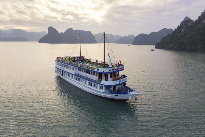 Halong - Lan Ha Bay Lapaci Cruises