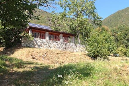 Casa nel bosco vicino Lago di Garda - Kabin