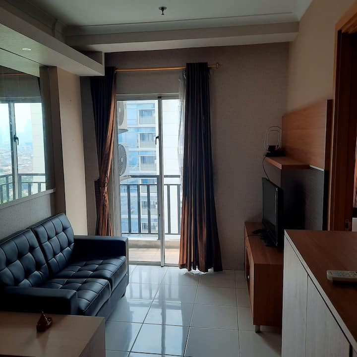 Cozy & Easy access Apartment in Tebet, Jakarta