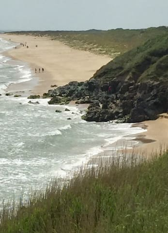 Magnificent old Bawn Beach