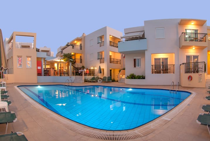 Superior Family Apartments, beach accessible! - Rethymno - Lejlighed