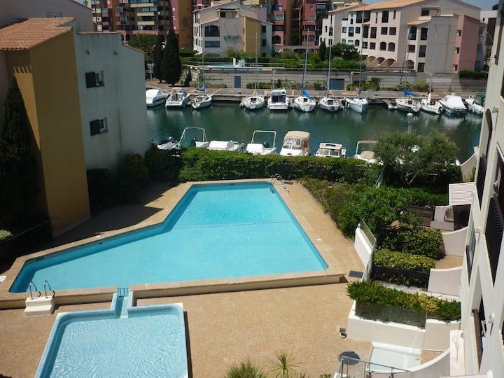 Residence des Pecheurs, sleeps 4, pool, 42m2 wifi