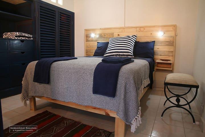 Cuarto matrimonial / Double bedroom
