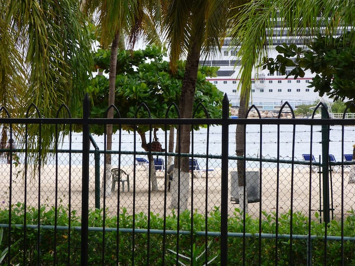 Beach One Bedroom C5 - Ocho Rios