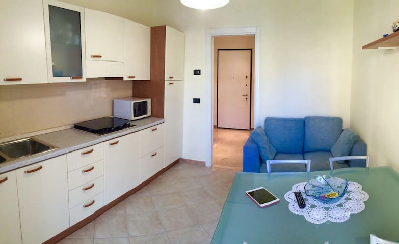 Quiet flat 1 min walking to beach - Borghetto Santo Spirito - Leilighet