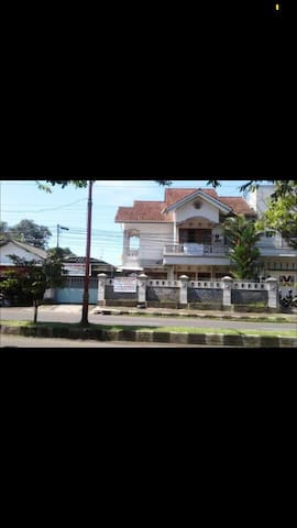 Rent Full house in central city Cilacap