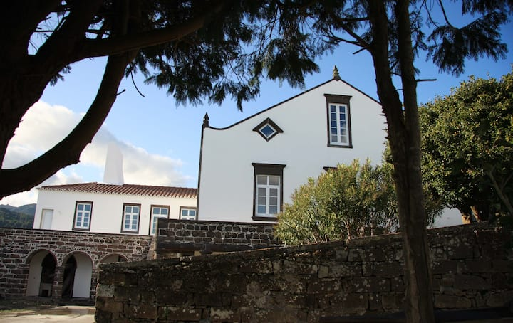 A room in a beautiful rural house in S Miguel