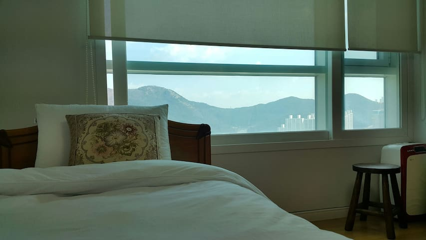 Centum City near Haeundae, Busan; Single bed Room