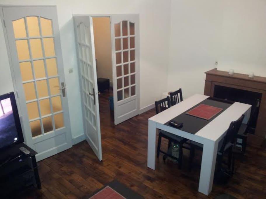 appartement 2 pi ces 45m lyon 2 me apartments for rent in lyon rh ne alpes france. Black Bedroom Furniture Sets. Home Design Ideas