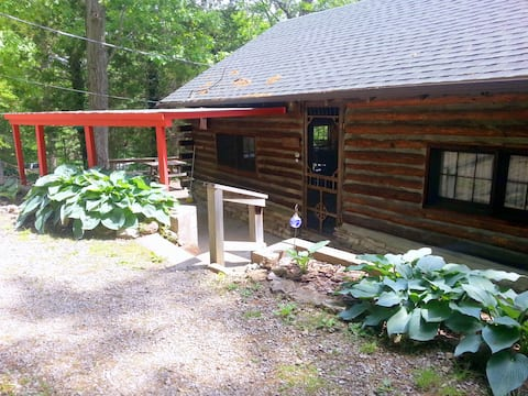 Caddell Cabin at The Green Cocoon-Table Rock Lake