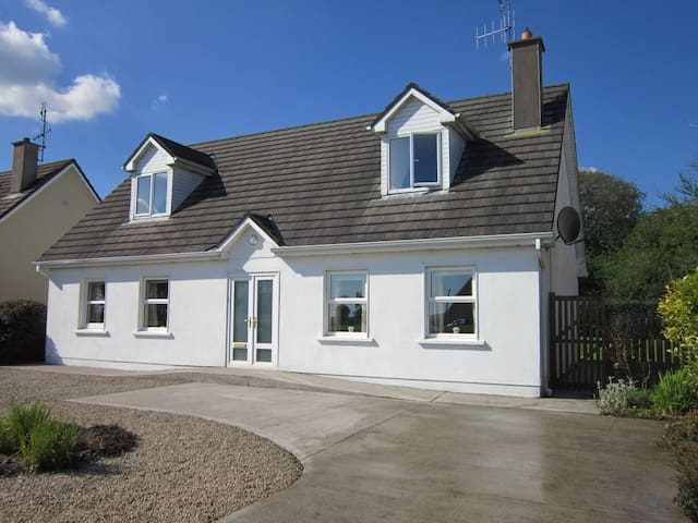 County Cork Coastal Holiday Home - Shanagarry - Rumah