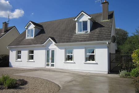 County Cork Coastal Holiday Home - Shanagarry - Hus