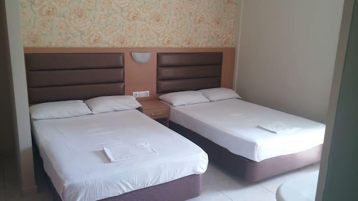 Hotel Dioni quadruple room