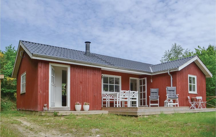 Holiday cottage with 2 bedrooms on 67m² in Ebeltoft