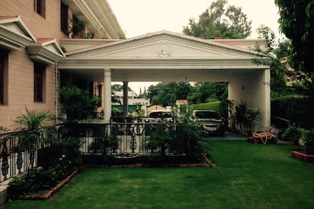 Him Villa - Chandigarh - House