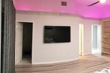 Modern Pool Suite