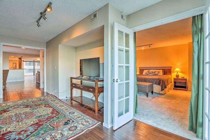 Heart of Downtown Denver Condo w/ Amenity Access!