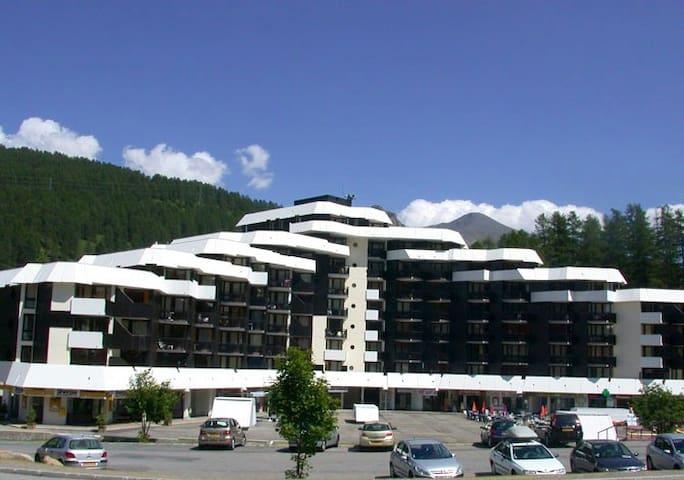 VARS Appt 4/5 pers face aux pistes - Vars - Apartment