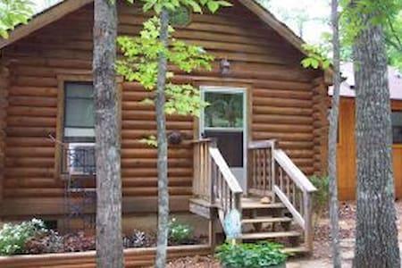 Virginia Cabin in the Woods - Woolwine - Zomerhuis/Cottage