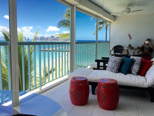 Ocean Front Condo by Waikiki Beach - Honolulu - Wohnung