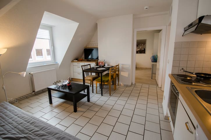 CITY FLAT - Stadtwohnung  Shopping or MESSE - Hannover - Apartment