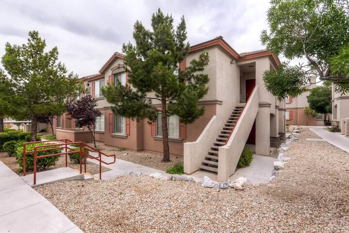 Gated Summerlin Condo w Oasis Pool