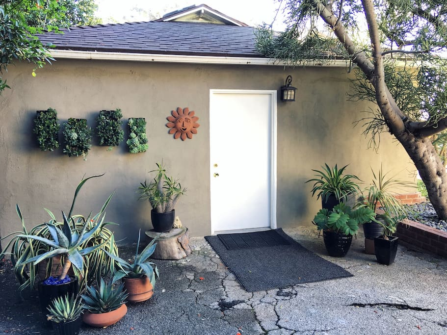 Private Guesthouse In Garden Oasis Guesthouse For Rent