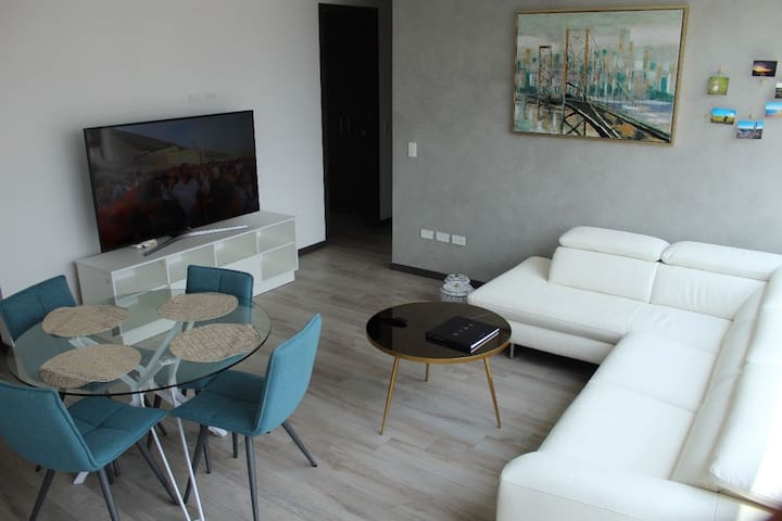●● New luxury apartment near La Carolina ●●