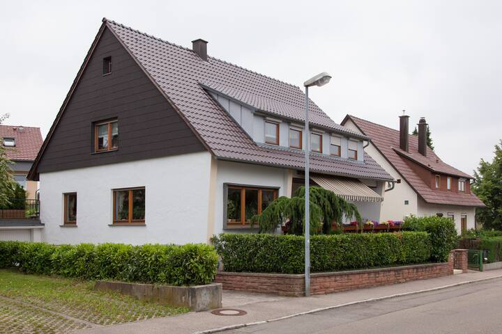Beautiful little studio for 2 in Filderstadt - Filderstadt - Huis