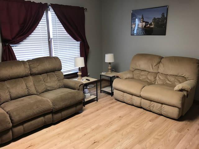 Cozy Duplex - West Side Manhattan, KS