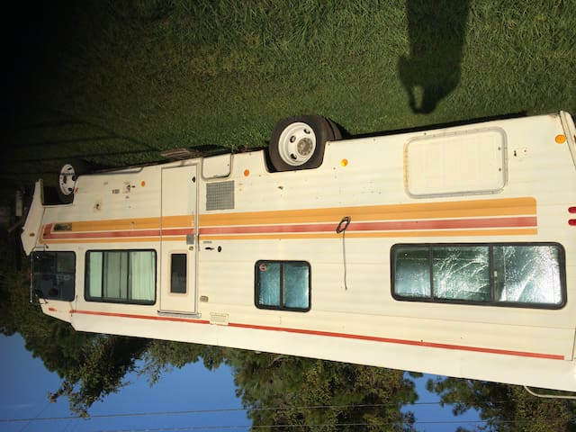 small camper with ac sleeps 2 - Pierson - Camper/RV