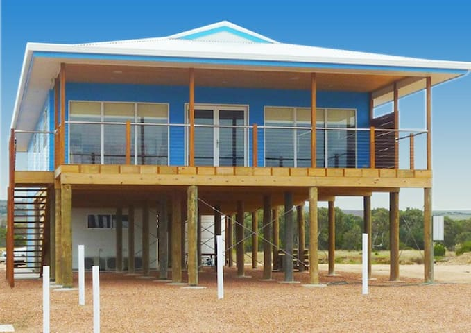 Lincolnview Holiday Home