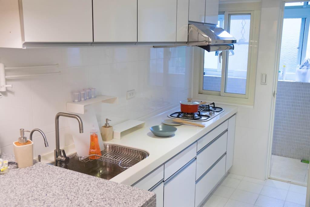 完善廚房設備
