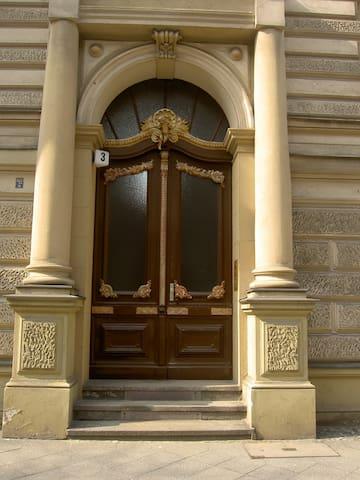 Nähe KaDeWe & Kurfürstendamm