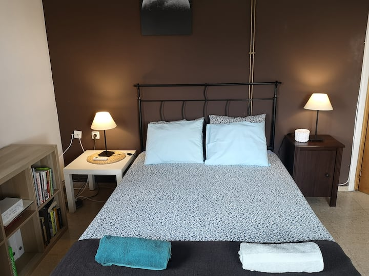 B&B close to the river park El Carmen, double bed.